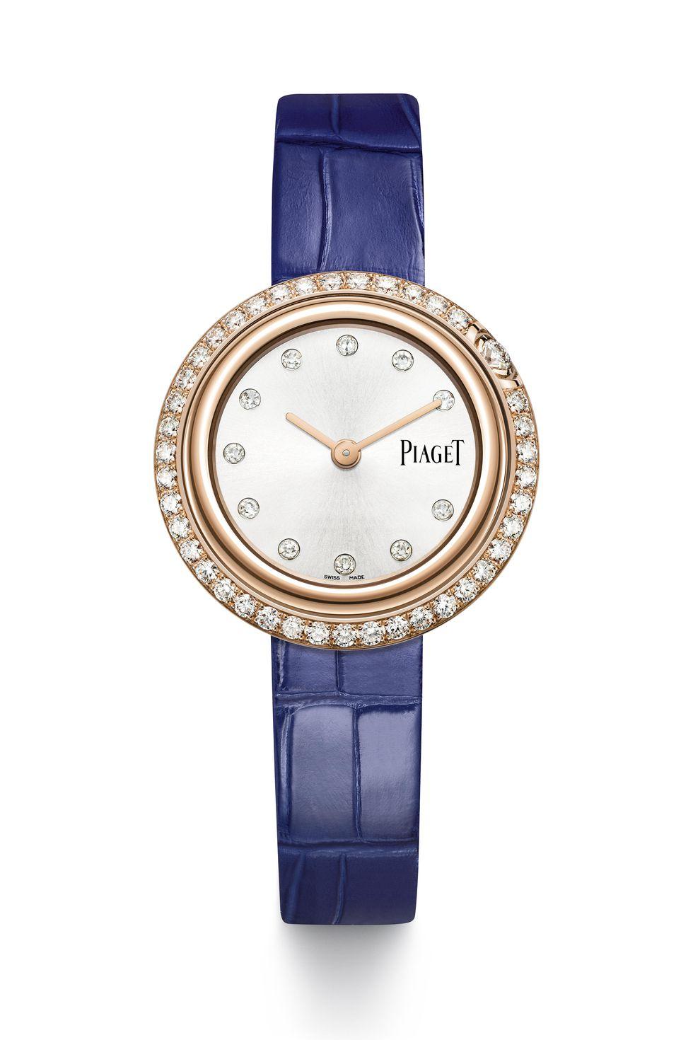 0d327cb8a تمتاز ساعة Piaget's Possession المصنوعة من الألماس والذهب الوردي بحافة  دائرية مملوءة بالألماس مع حزام من جلد التمساح باللون الأزرق القابل للتبديل .