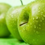 السعرات الحرارية في التفاح الاخضر والكمية المناسبة يوميا