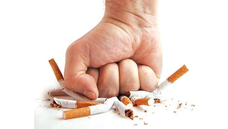 بحث عن التدخين بالانجليزي المرسال
