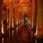 """قصر خزانات الماء في اسطنبول """" صهريج البازيليك """""""