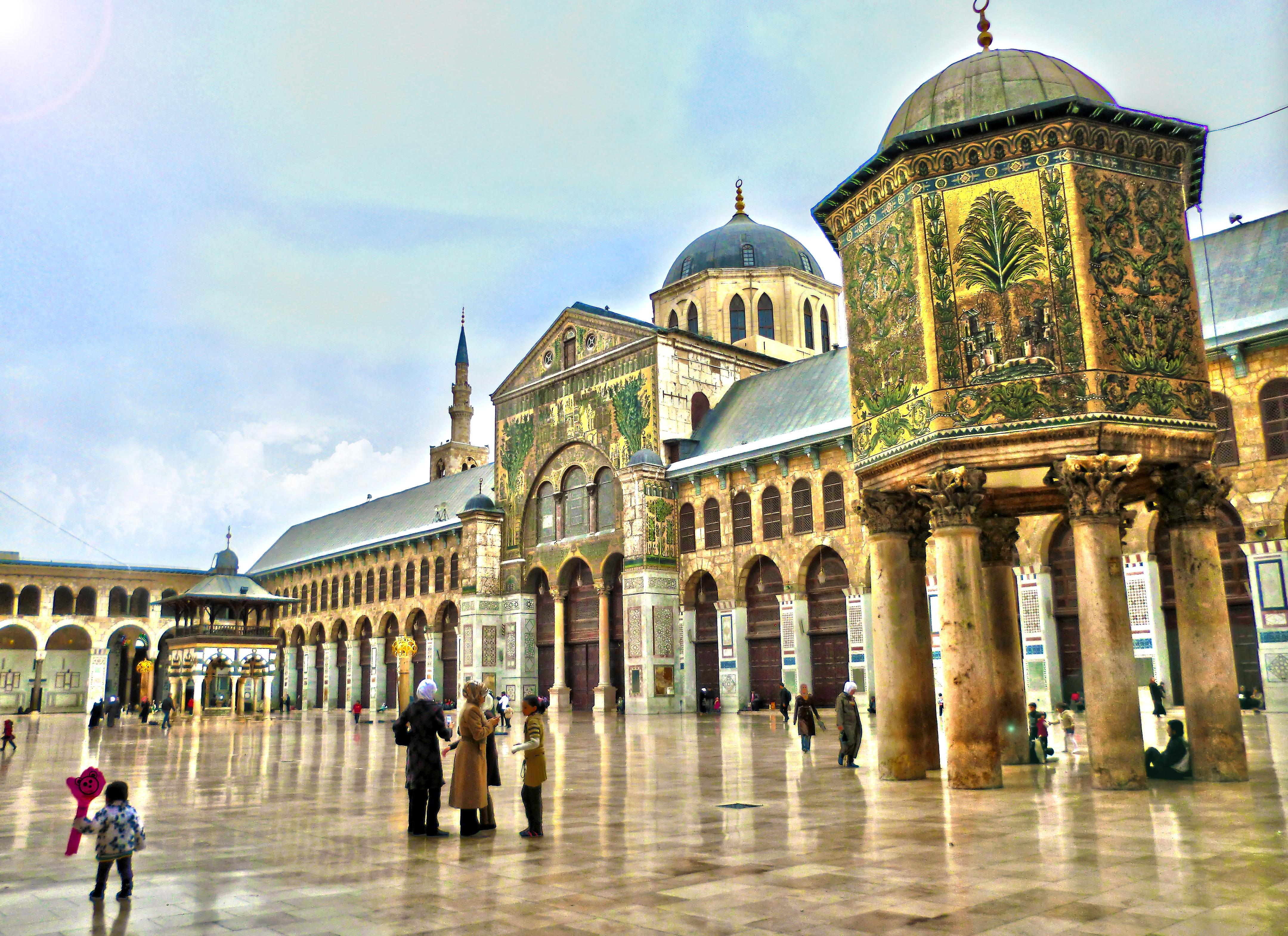 الجامع الاموي في دمشق %D8%A7%D9%84%D8%AC%D8%A7%D9%85%D8%B9-%D8%A7%D9%84%D8%A7%D9%85%D9%88%D9%8A-%D9%81%D9%8A-%D8%AF%D9%85%D8%B4%D9%82