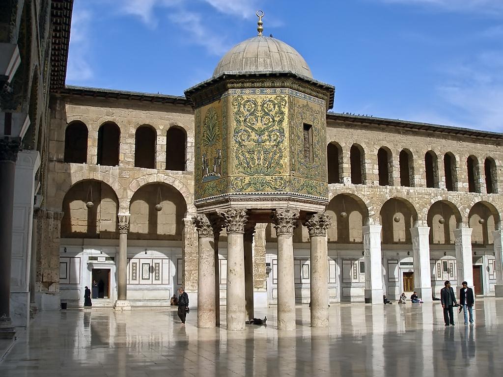 الجامع الاموي في دمشق %D8%A7%D9%84%D8%AC%D8%A7%D9%85%D8%B9-%D8%A7%D9%84%D8%A7%D9%85%D9%88%D9%8A