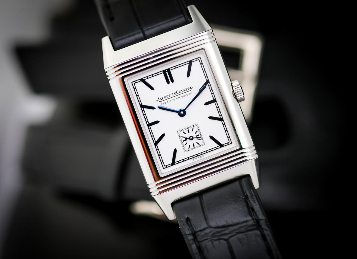 edb2dc83b8207 ... تقوم بتصنيع العديد من عيارات الساعة المسجلة بإسمها مثل الساعة ذات  الدوران الآلي شبه الدائم، كما تتميز بالشراكة مع العديد من الأنشطة مثل  القطاعات البحرية ...