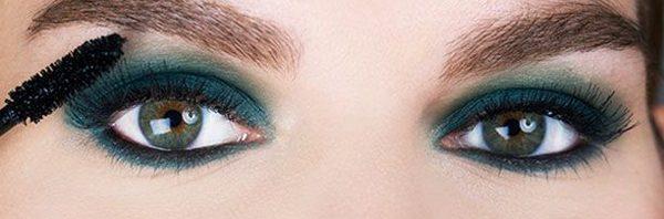 faa6c477bf59f مكياج سهل لتكبير العيون الصغيرةمكياج سهل لتكبير العيون الصغيرة