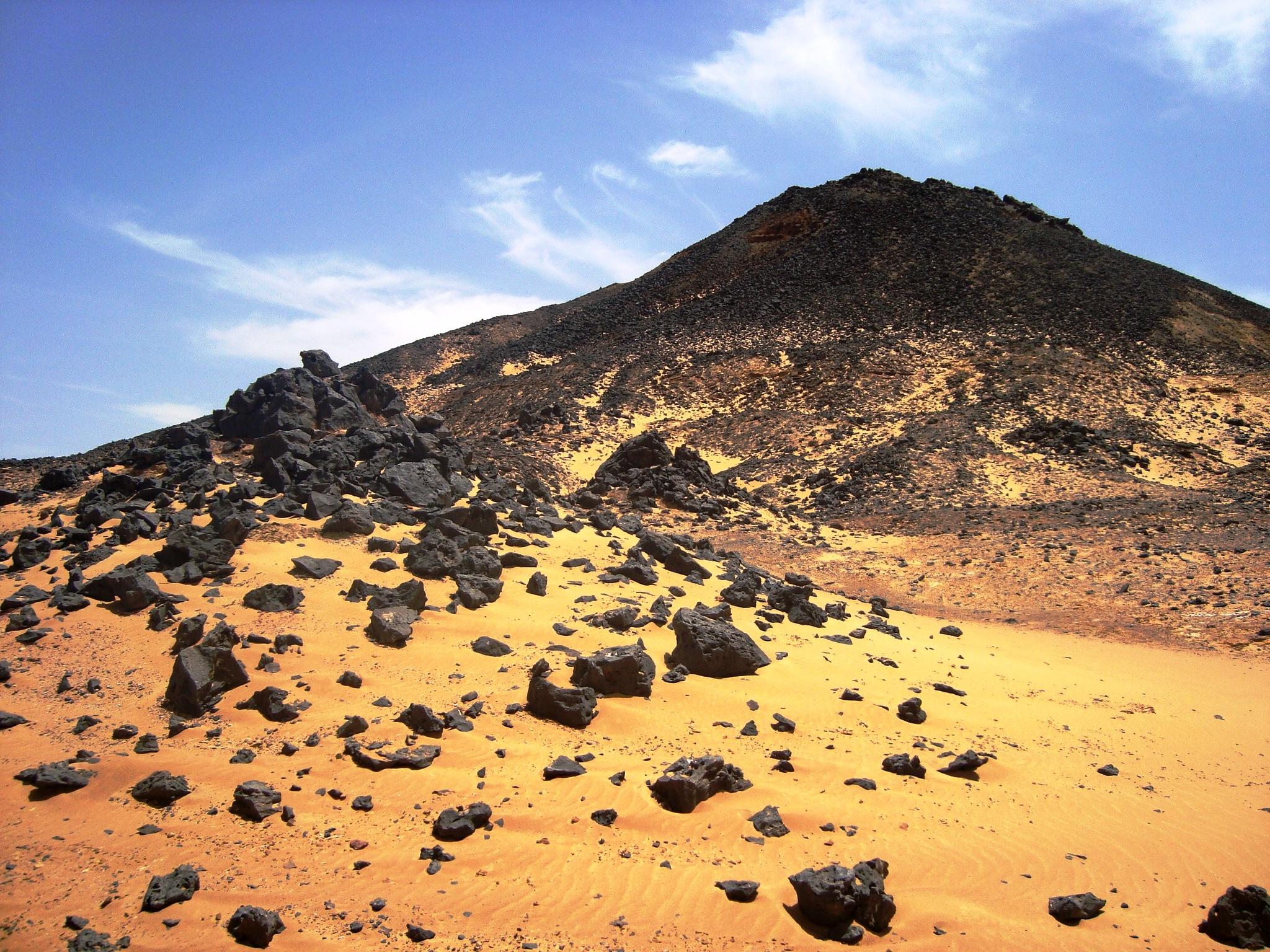 اثار الواحات البحرية سبب تسميتها الصحراء-ال�