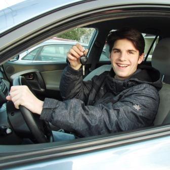 مآسي الاستخدام السلبي للسيارات عند الشباب المرسال