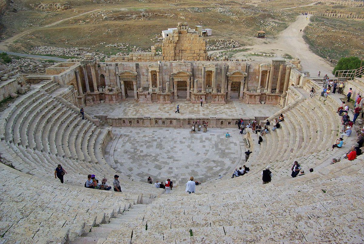 المدينة الاردنية التي تلقب بمدينة المسرح-الج�