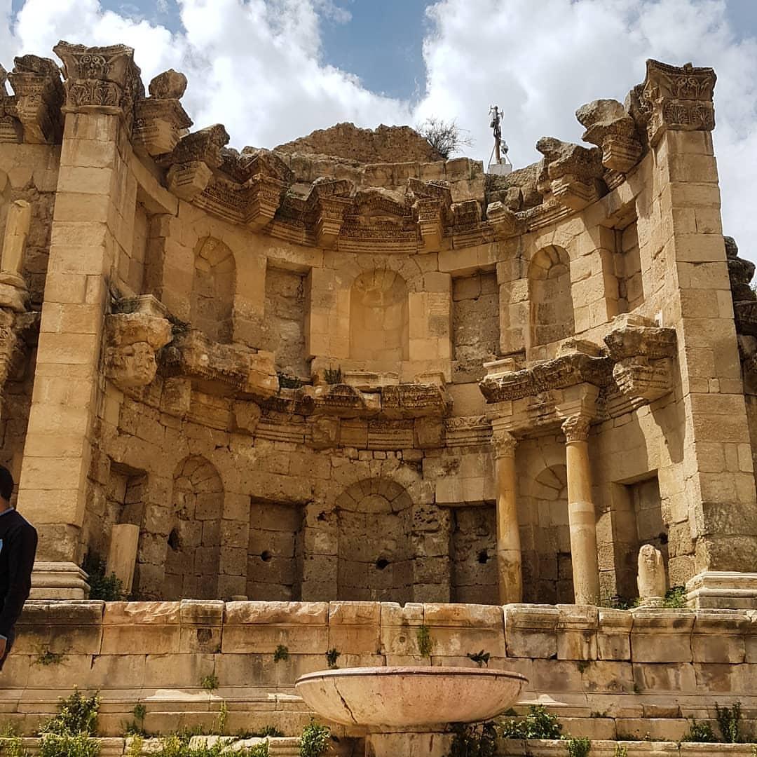 المدينة الاردنية التي تلقب بمدينة سبيل-الحور�