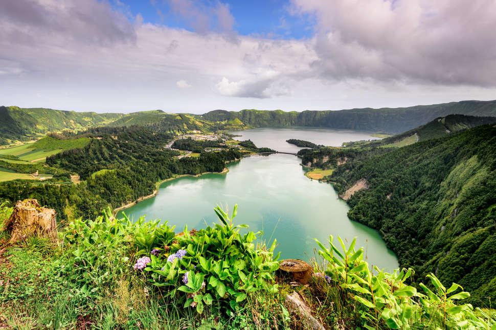 """اقاليم ما وراء البحار البرتغالية ظ…ظˆظ'ط¹-ط¬ط²ط±-ط§ظ""""ط§ط²ظˆط±.jpg"""