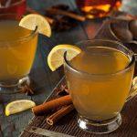 مشروبات تساعد على تخفيف ألم الدورة