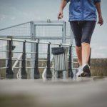 هل المشي يشد الجسم