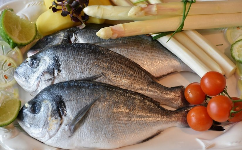 ماذا يعني رؤية اعطاء السمك في المنام المرسال