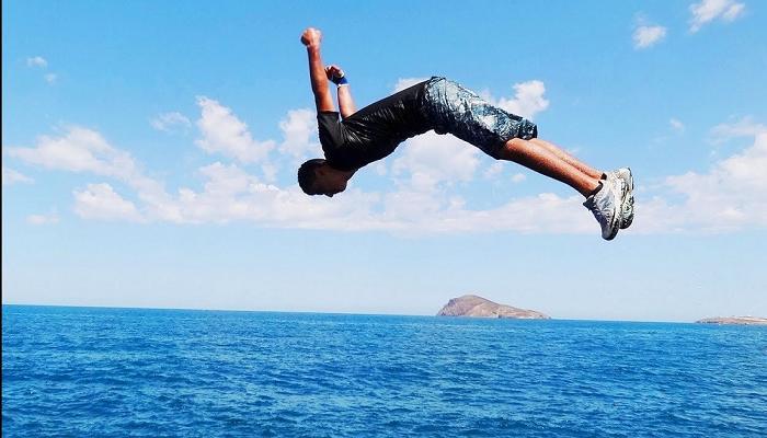 بطل باستمرار قرية القفز في الماء Diysparks Com