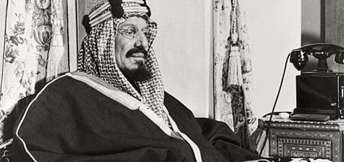 صفات الملك عبدالعزيز المرسال