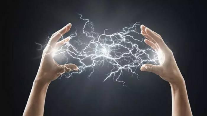 تطبيقات القوى الكهروسكونية بالامثلة المرسال